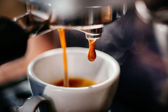 Café como laxante: ¿demasiado café puede causar movimientos intestinales frecuentes?