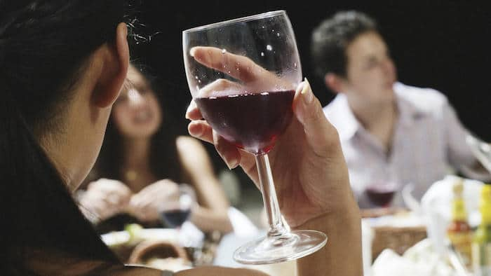 Pourriez-vous avoir une allergie à l'alcool?