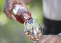 هل سيتسبب شرب الكحول في هجوم حصوي؟