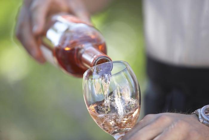 La consommation d'alcool provoquera-t-elle une attaque de calculs biliaires?