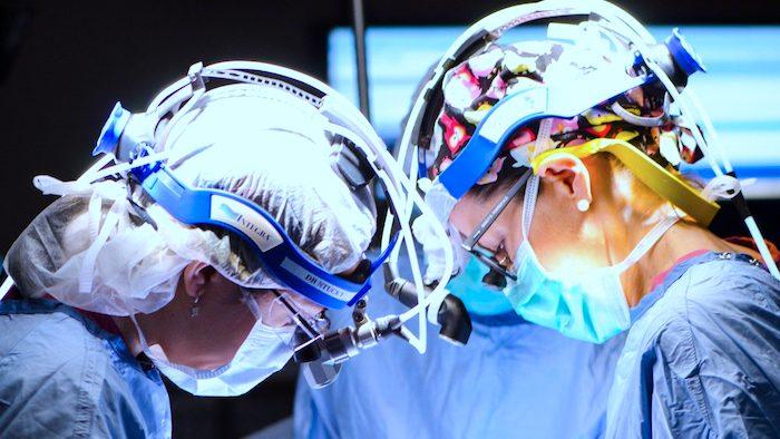 Que rechercher lors du choix d'un chirurgien parathyroïdien?