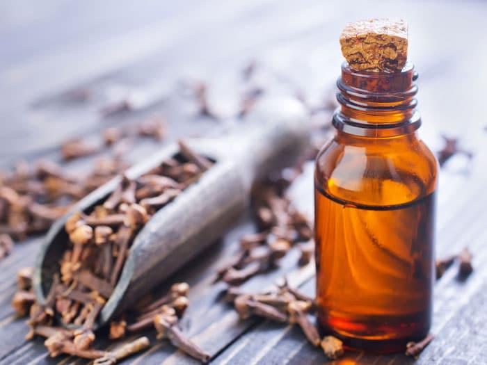 Warum sollten Sie Nelkenöl bei Zahnschmerzen vermeiden?