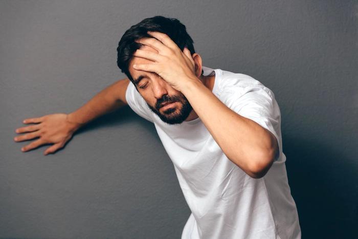 Mareos cuando inclinas la cabeza y problemas de audición podrían deberse a la enfermedad de Meniere