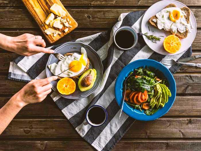 Alimentos saludables para el desayuno que te dan energía y te hacen sentir feliz
