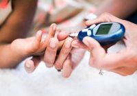 En un niño con diabetes tipo 2, el cuerpo es resistente a la insulina o no puede producir suficiente
