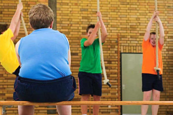 L'obésité entraîne une résistance à l'insuline, ce qui augmente le risque de diabète de type 2.