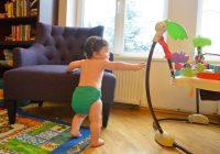 Mon bébé ne marche toujours pas seul, il a besoin de meubles et d'autres pour subvenir à ses besoins: mon enfant a-t-il peur de le quitter?