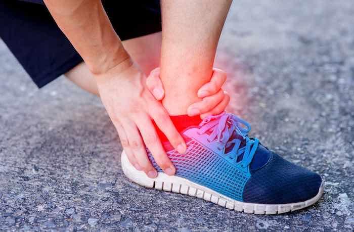 Cipro peut augmenter le risque de tendinite ou de rupture du tendon
