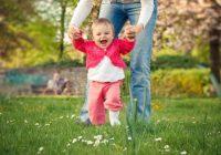 5 Des moyens sûrs d'aider votre bébé à apprendre à marcher