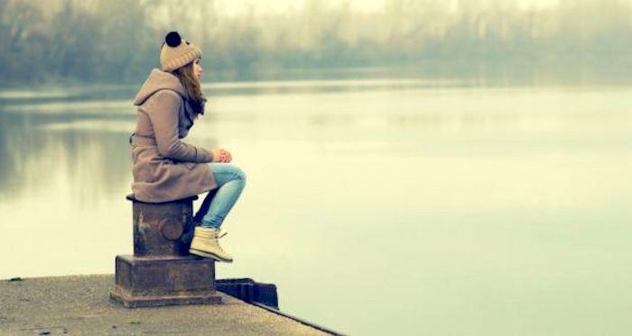¿Podría la soledad ayudar a explicar la ansiedad en Occidente?