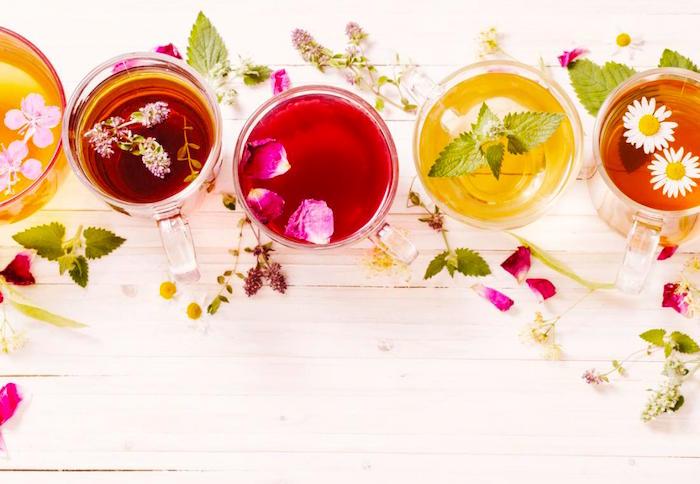شاي الأعشاب يمكن أن يساعد في تخفيف الجفاف أو عدم التوازن بالكهرباء