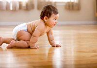 Quand mon bébé va-t-il marcher seul?