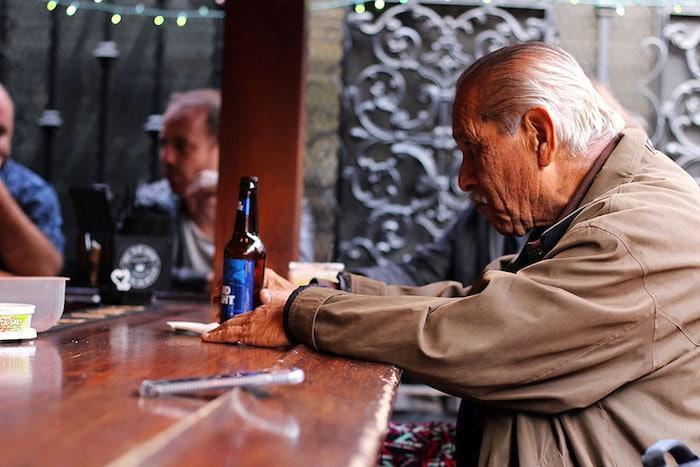 Eine neue Studie identifiziert genetische Prädiktoren für schwere Alkoholentzugssymptome