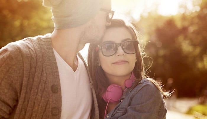 Tocar a alguien que amas en realidad puede calmar el dolor físico