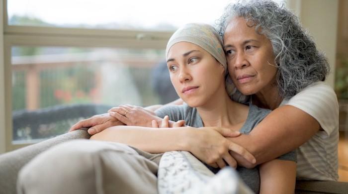 Una persona con leucemia debe buscar apoyo emocional de amigos y familiares