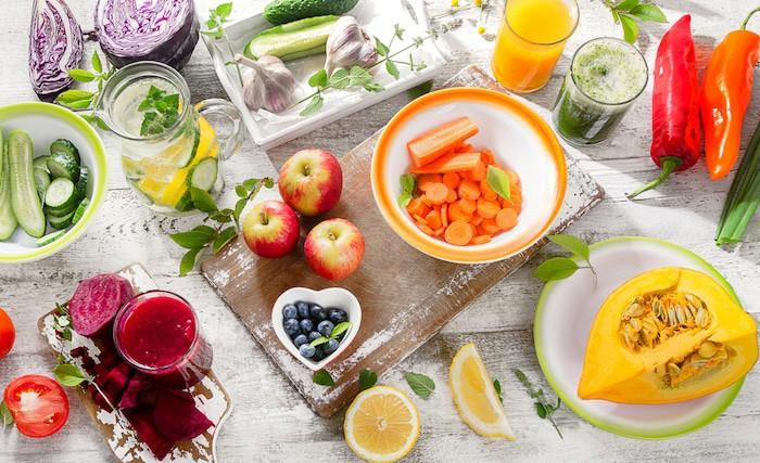 Una dieta rica en verduras y frutas frescas ofrece beneficios antioxidantes y antiinflamatorios para las personas con AR