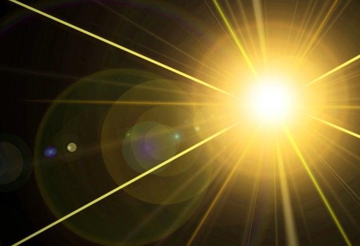 Una nueva forma de terapia de luz podría mejorar drásticamente la perspectiva de las personas con una forma avanzada de cáncer de mama
