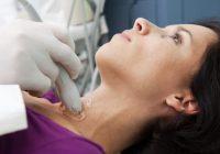 العقيدات الدرقية قد تتطلب الاستئصال الجراحي.