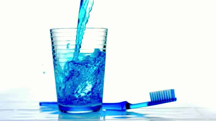 牙周炎患者应该使用什么类型的漱口水?