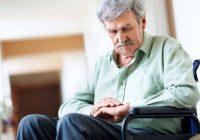 Le médecin examinera tout facteur génétique ou antécédents familiaux connus de la maladie de Parkinson.