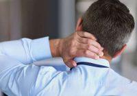 Eine Wunde oder Infektion kann einen Wendehals verursachen