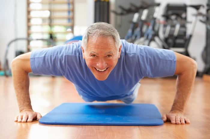 Regelmäßige sanfte Bewegung kann dabei helfen, das Energieniveau zu erhöhen