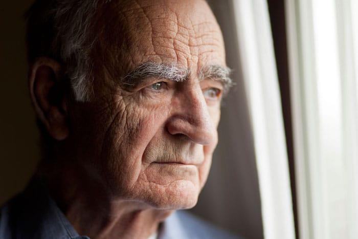 Un nuevo estudio investiga la apatía y su papel en el inicio de la demencia.
