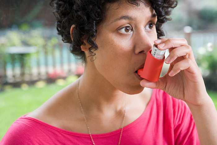 حبوب الستيرويد أو أجهزة الاستنشاق ليست علاجات قياسية لمرض الانسداد الرئوي المزمن