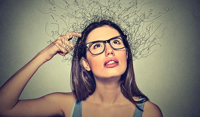 ¿Cuándo funciona mejor su memoria de trabajo: cuando se sienta, está de pie o hace ejercicio?