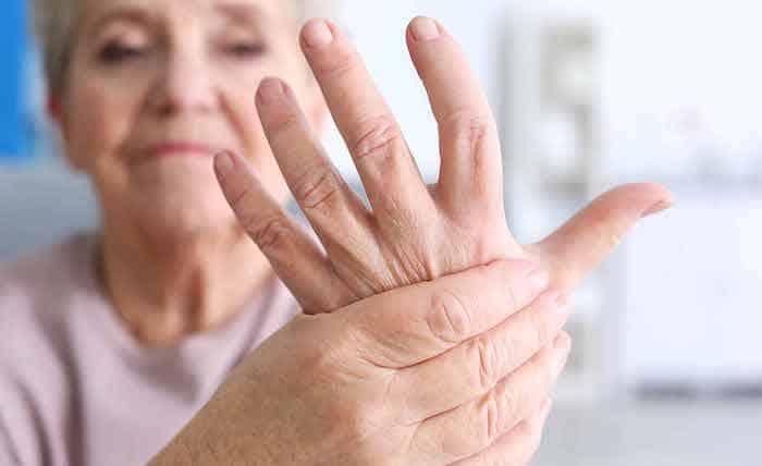 El dolor articular es un síntoma potencial de la colitis ulcerosa