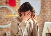 El estrés en el trabajo o la escuela puede llevar a un trastorno de ansiedad