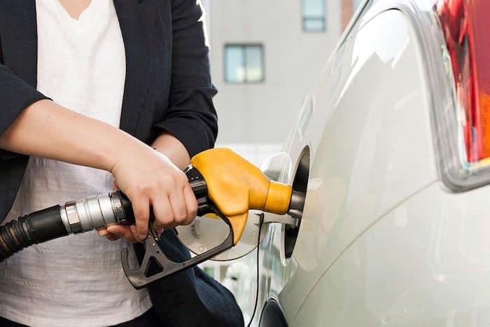 El uso principal de la gasolina es como combustible para automóviles
