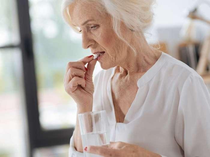 Tomar aspirina regularmente puede reducir el riesgo de cáncer de ovario