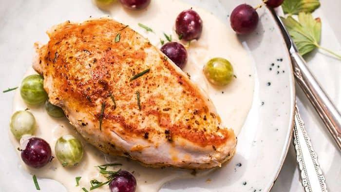 Las personas que siguen la dieta de hCG pueden comer pechugas de pollo sin piel