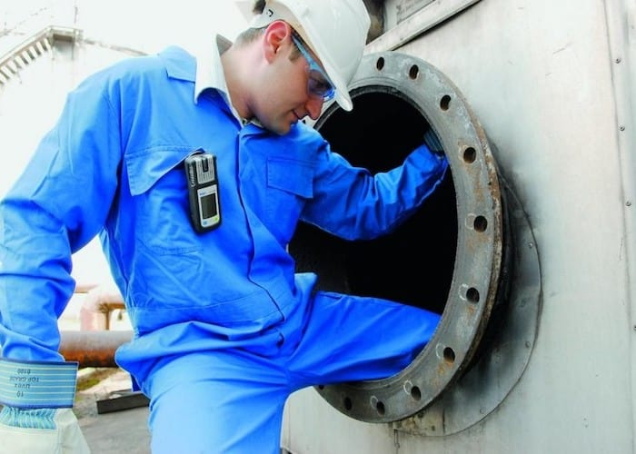 Las personas que trabajan cerca de la gasolina regularmente corren el riesgo de intoxicación por gasolina