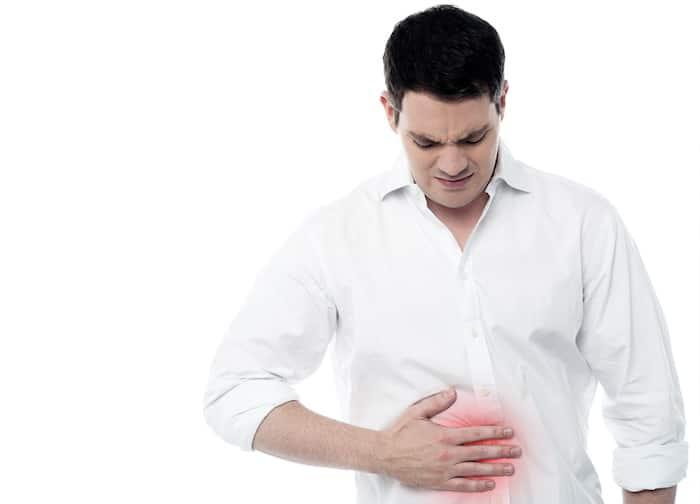 La acidez estomacal provoca una sensación de ardor en el pecho