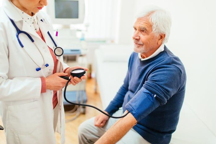 Dilatierte Herzkrankheit: Ursachen, Symptome und Behandlung