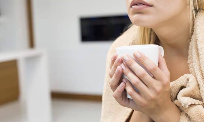 Ursachen für kaltes und / oder feuchtes Hautgefühl