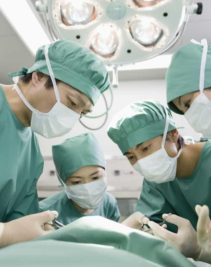 ¿Qué se puede esperar después de la cirugía de reimplante ureteral?