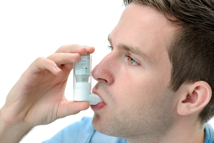 Se adhieren a un plan de acción para el asma para controlar los síntomas con eficacia