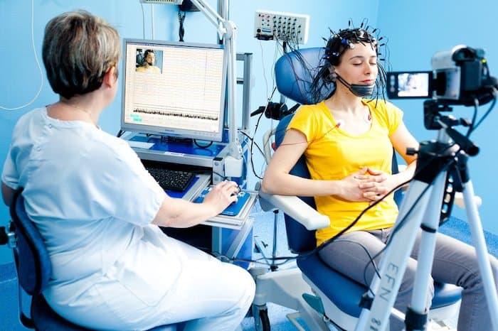 Nebenwirkungen der Elektroenzephalographie