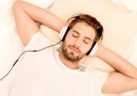 Un grand nombre de personnes utilisent la musique pour lutter contre les troubles du sommeil.