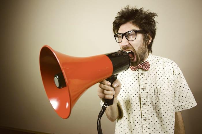 La masturbation affecte-t-elle votre voix et vos cordes vocales?