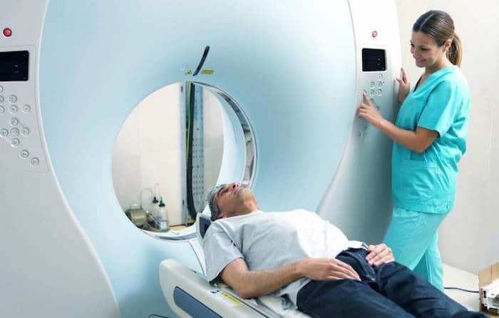 Mithilfe von PET-Scannern trainierten die Forscher einen Deep-Learning-Algorithmus, um die Anzeichen der Alzheimer-Krankheit vorherzusagen