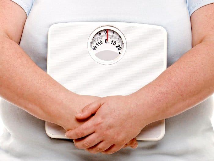 La grasa visceral puede dañar la salud, y algunas personas con obesidad recurren a procedimientos quirúrgicos para extirparla