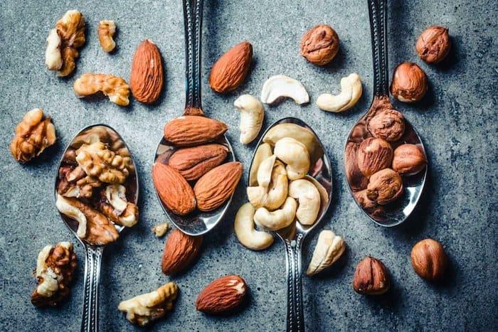 Dos nuevos estudios sugieren que una porción diaria de nueces puede prevenir el aumento de peso y mejorar la salud metabólica a largo plazo