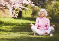ممارسة نوع من التأمل السهل بشكل يومي يمكن أن يخفف بعض أعراض الخرف.