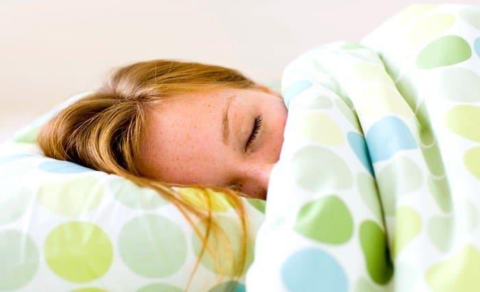 Una nueva investigación encuentra que dormir demasiado puede aumentar el riesgo de muerte temprana y problemas cardiovasculares