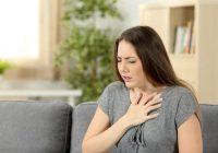 ¿Qué causa la falta de aliento después de comer?