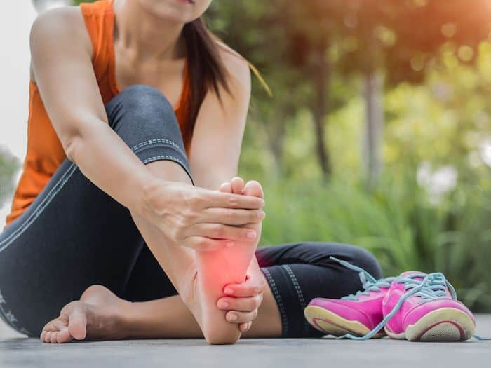 Causas y tratamiento del calambre en los pies